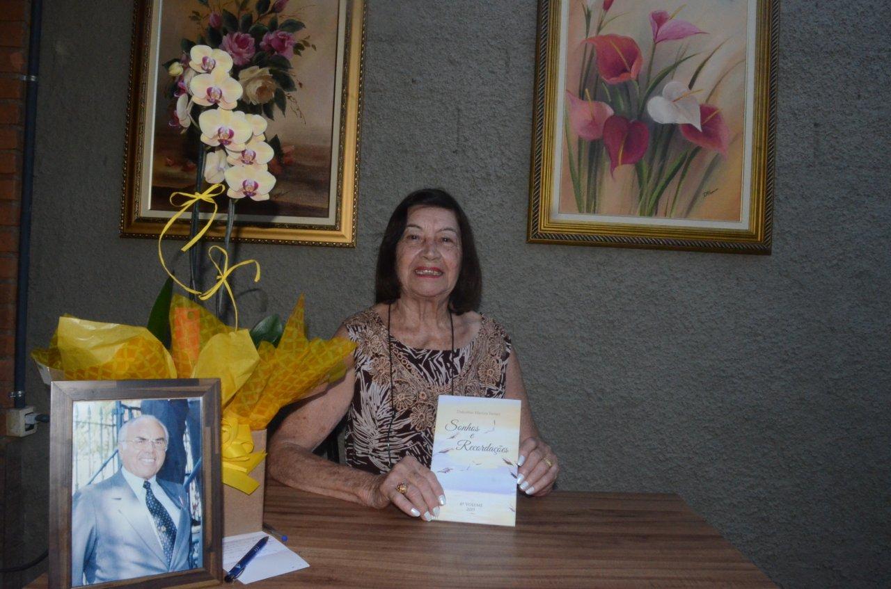 Dulcemar lançou o quarto livro e já prepara o lançamento de mais uma publicação