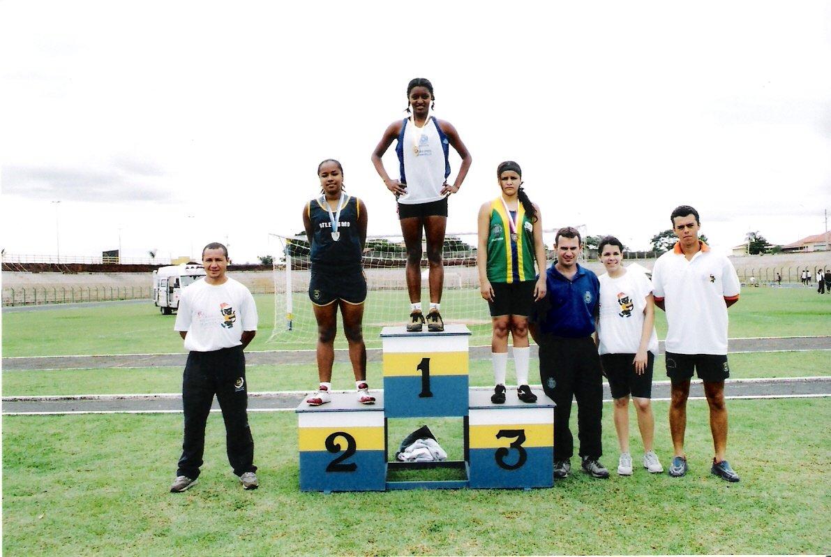 Marina conquista duas medalhas: prata nos 400 e bronze nos 100 metros