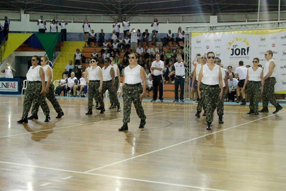 Coreografia inspirada em clipe de Michael Jackson deixa Jaguariúna em destaque (Foto Ivair Oliveira)