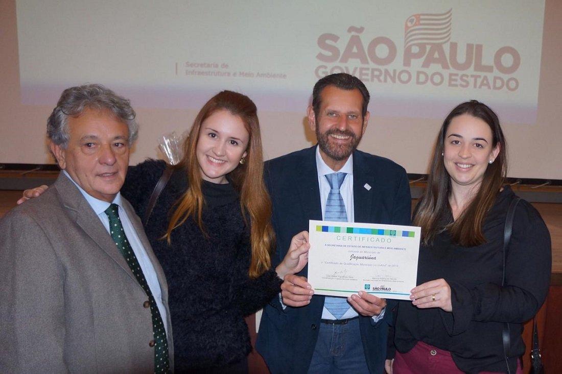 Pamela e Aline representaram a Prefeitura de Jaguariúna no evento de certificação