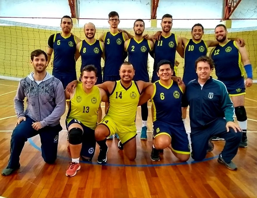 Equipe adulta disputa o titulo no domingo