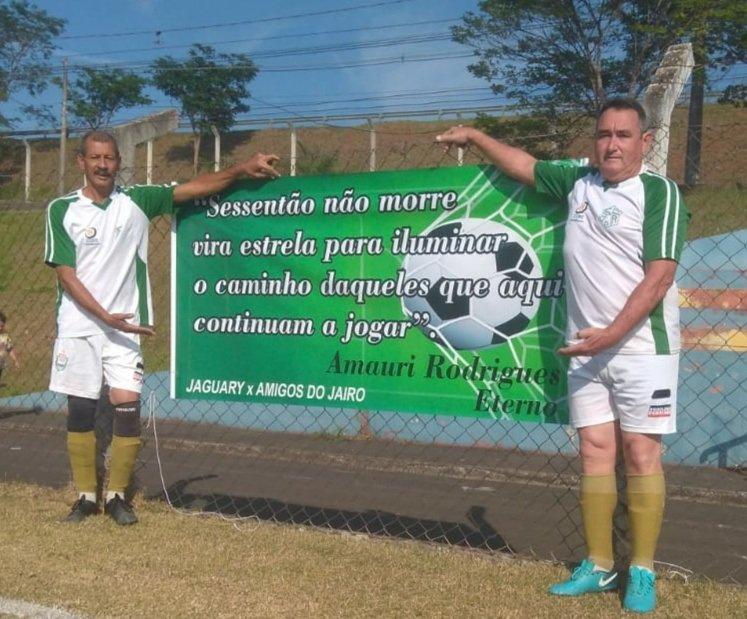 Palavras em faixa mostram a importancia de Amauri para o futebol de Jaguariúna