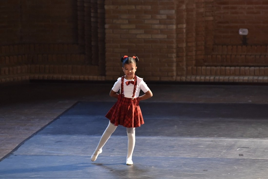 Brenda Mikaela terminou em 1º lugar no Solo Ballet Clássico Baby