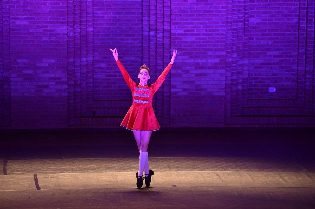 Giovana Martins ficou com as medalhas de prata no Solo Ballet Clássico Juvenil e no Solo Danças Populares
