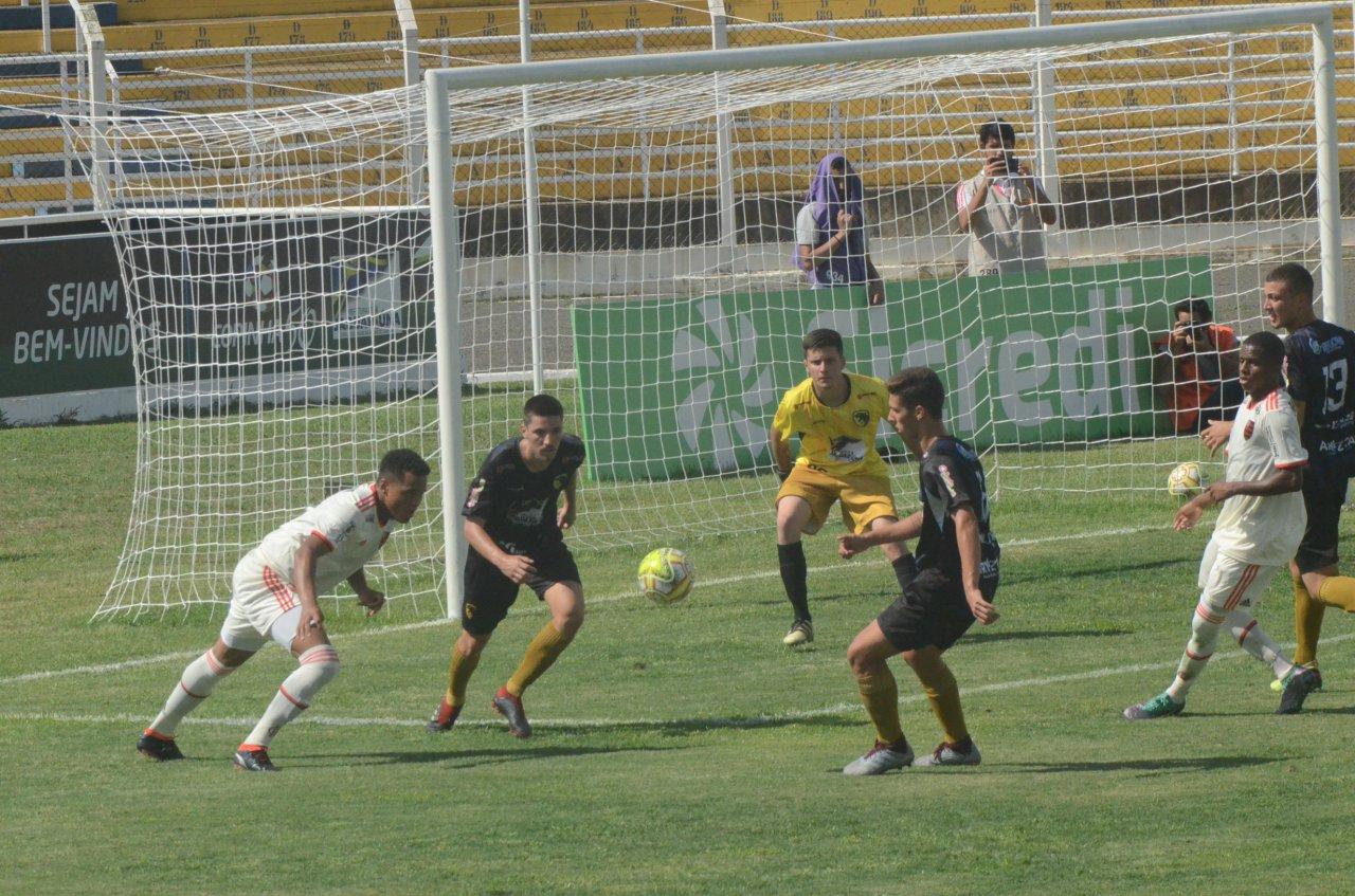 Equipe de Jaguariúna joga nesta sexta-feira às 13h