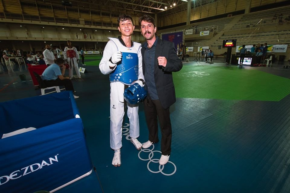 Davi Guilherme junto com o técnico José Luiz