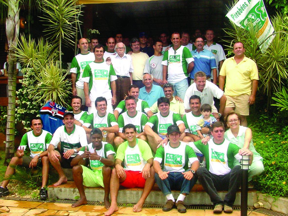 Foto mostra uma das comemorações de fundação do Olímpico