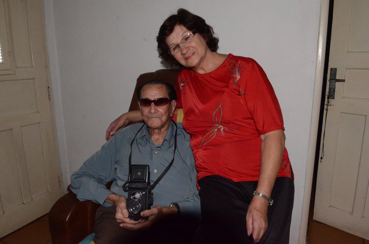 Compadre com a sua esposa Comadre, apelidos carinhosos que acompanharam esses profissionais quando ainda trabalhavam com fotografia