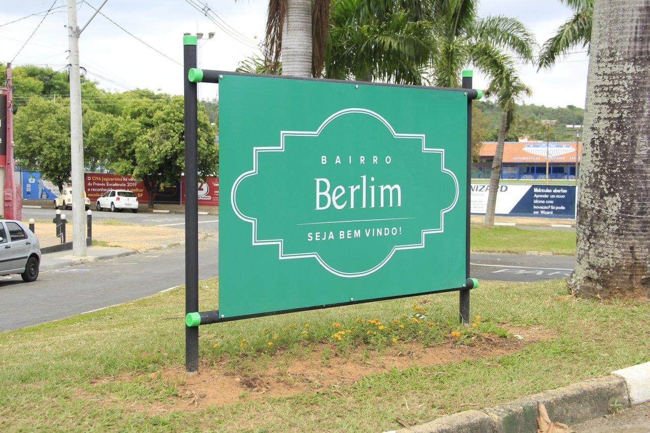 Prefeitura pretende até o próximo ano instalar placas em todos bairros