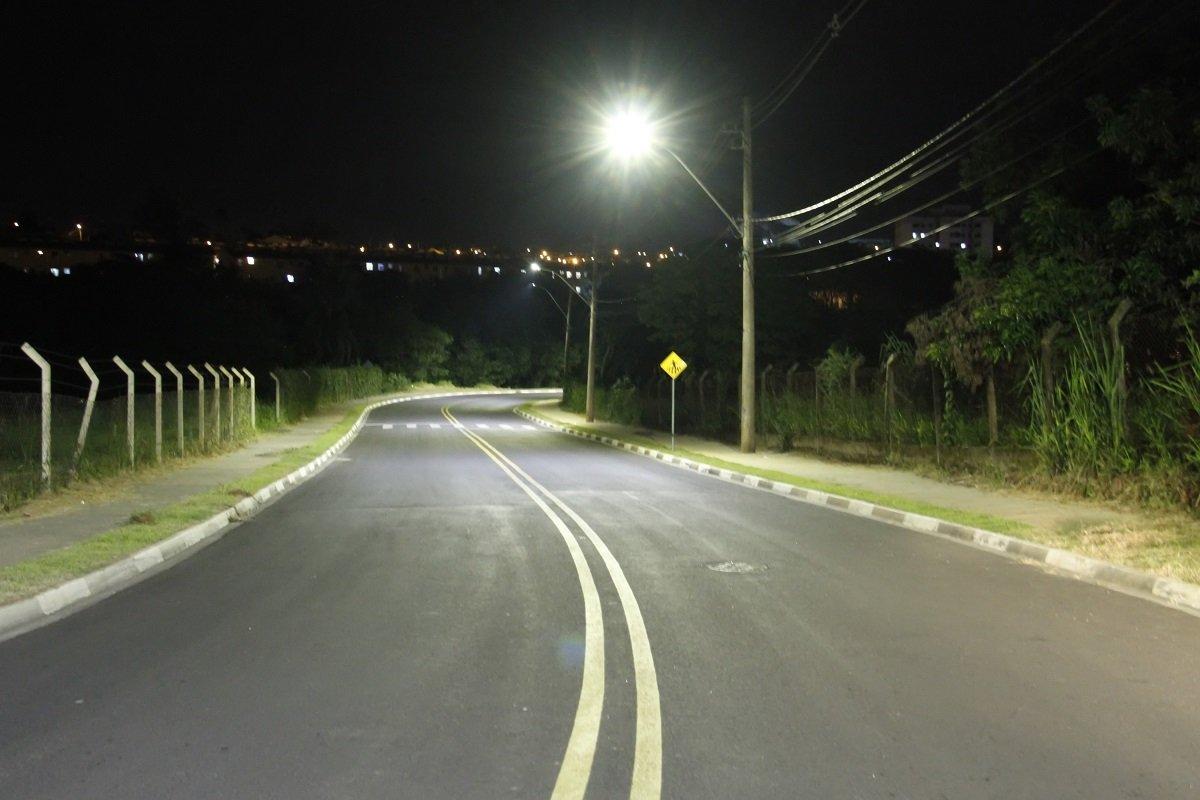 Estrada do Japonês recebeu iluminação de LED (Foto Ivair de Oliveira)