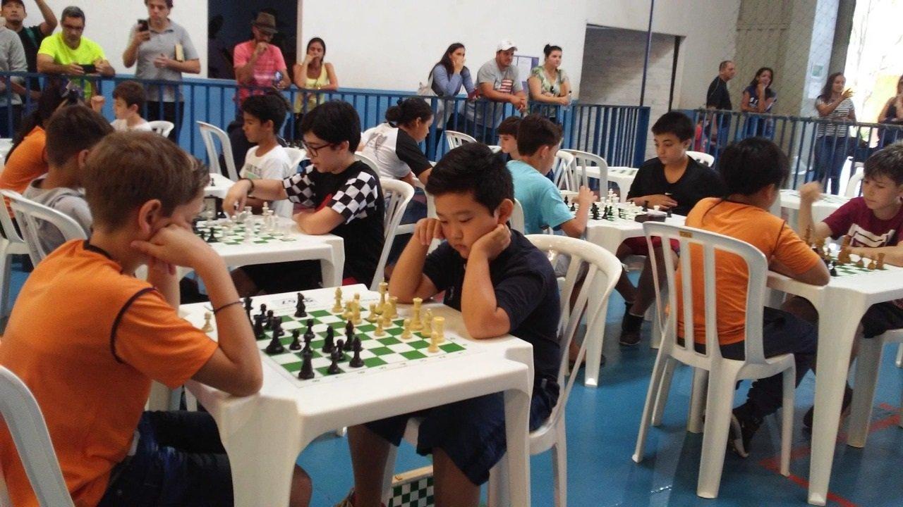 É importante incentivar a prática do Xadrez desde criança