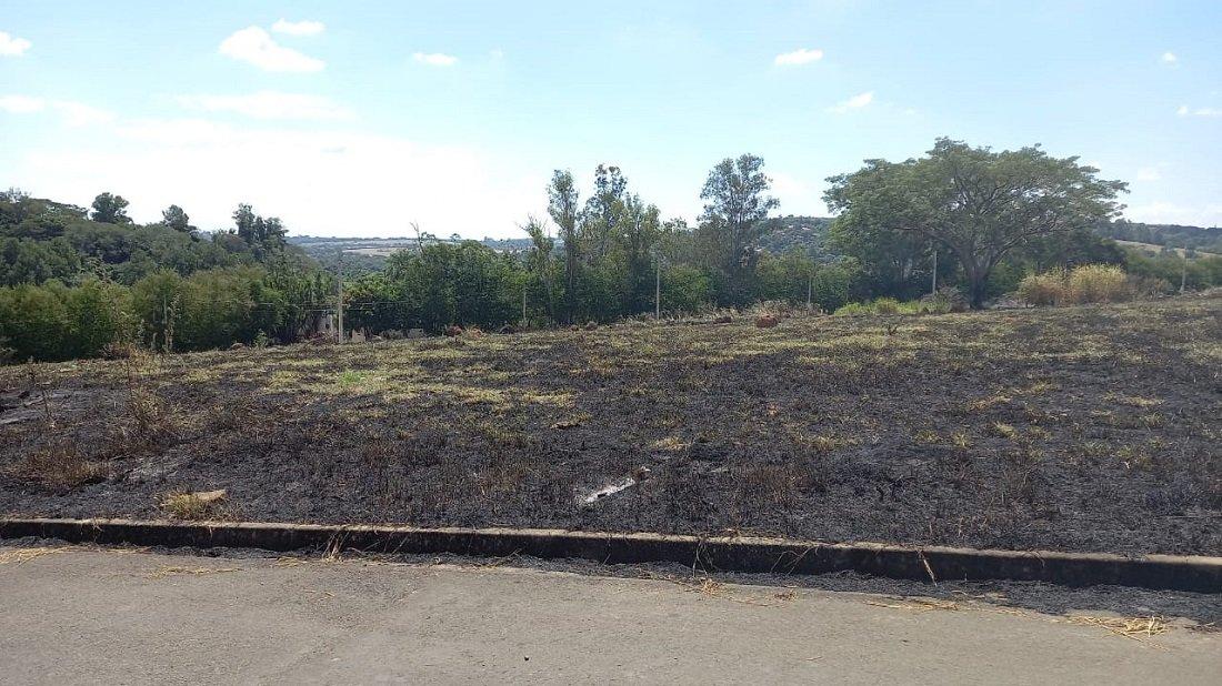 Queimadas em grandes áreas dificultam o trabalho de controle do fogo