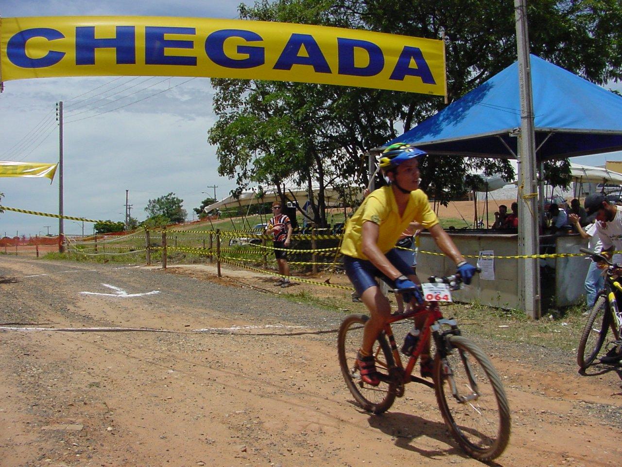 Manoel cruzou a linha de chegada em 1º lugar (Foto Gislaine Mathias)