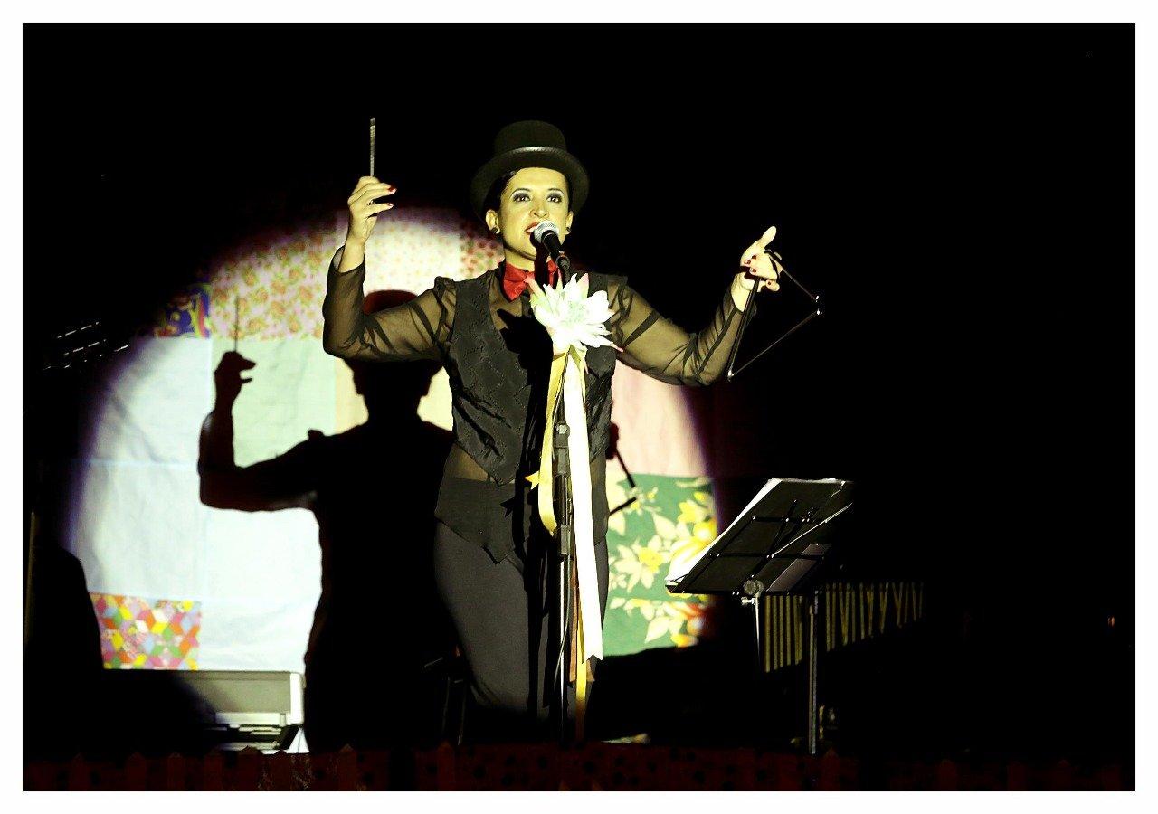 Participação no espetáculo Amor é Filme do Espaço Lis Coradi (Foto de Cleverson Mendes)