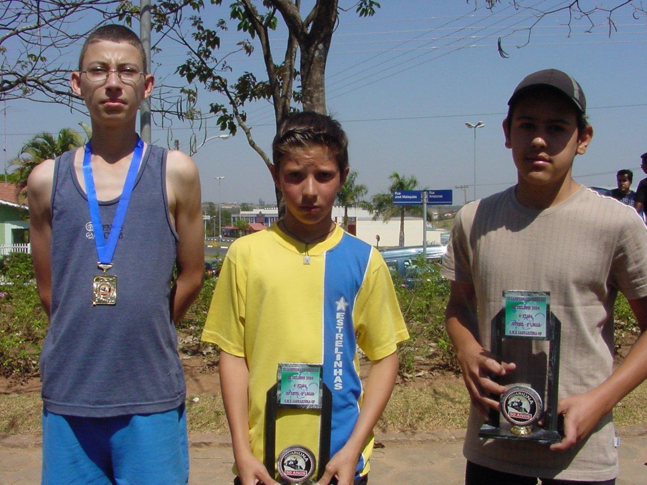 Tiago concluiu o percurso em 4º, David foi 3º no infantil e Romário ficou em 2º no juvenil (fotos de Gislaine Mathias)