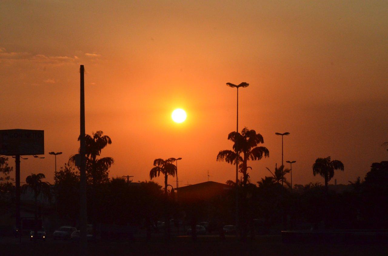 Pôr do sol em Jaguariúna encanta moradores e turistas (Fotos de Gislaine Mathias)