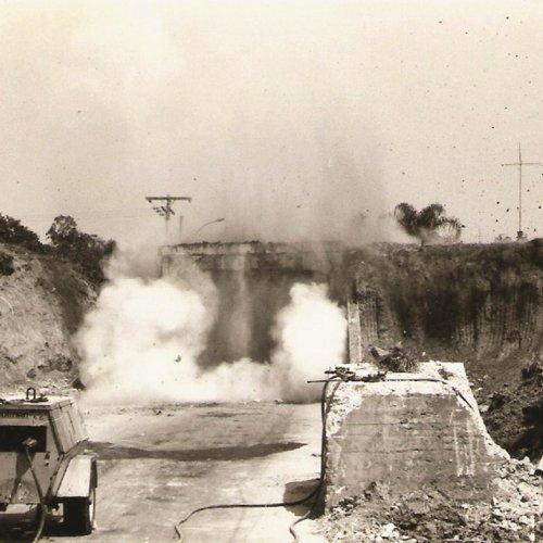 Implosão dos pontilhões foi um passo para o desenvolvimento da cidade
