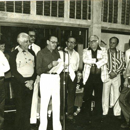 O gerente Arlindo Nascimento durante discurso na inauguração da Caixa (Acervo pessoal)