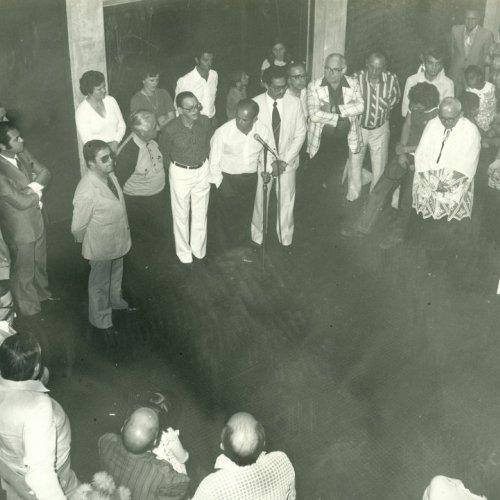 Momento em que o prefeito na época, Francisco Xavier Santiago destaca esse momento histórico para Jaguariúna (Acervo pessoal)